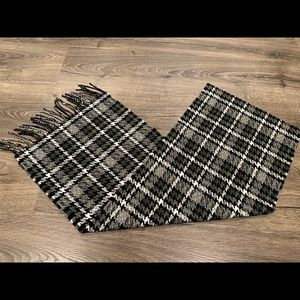 ⭐️ Vintage Hounds Tooth Cashmere Feel Scarf Grey